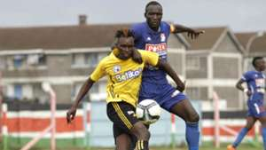 Michael Oduor of Sofapaja v Joackins Atudo of Posta Rangers