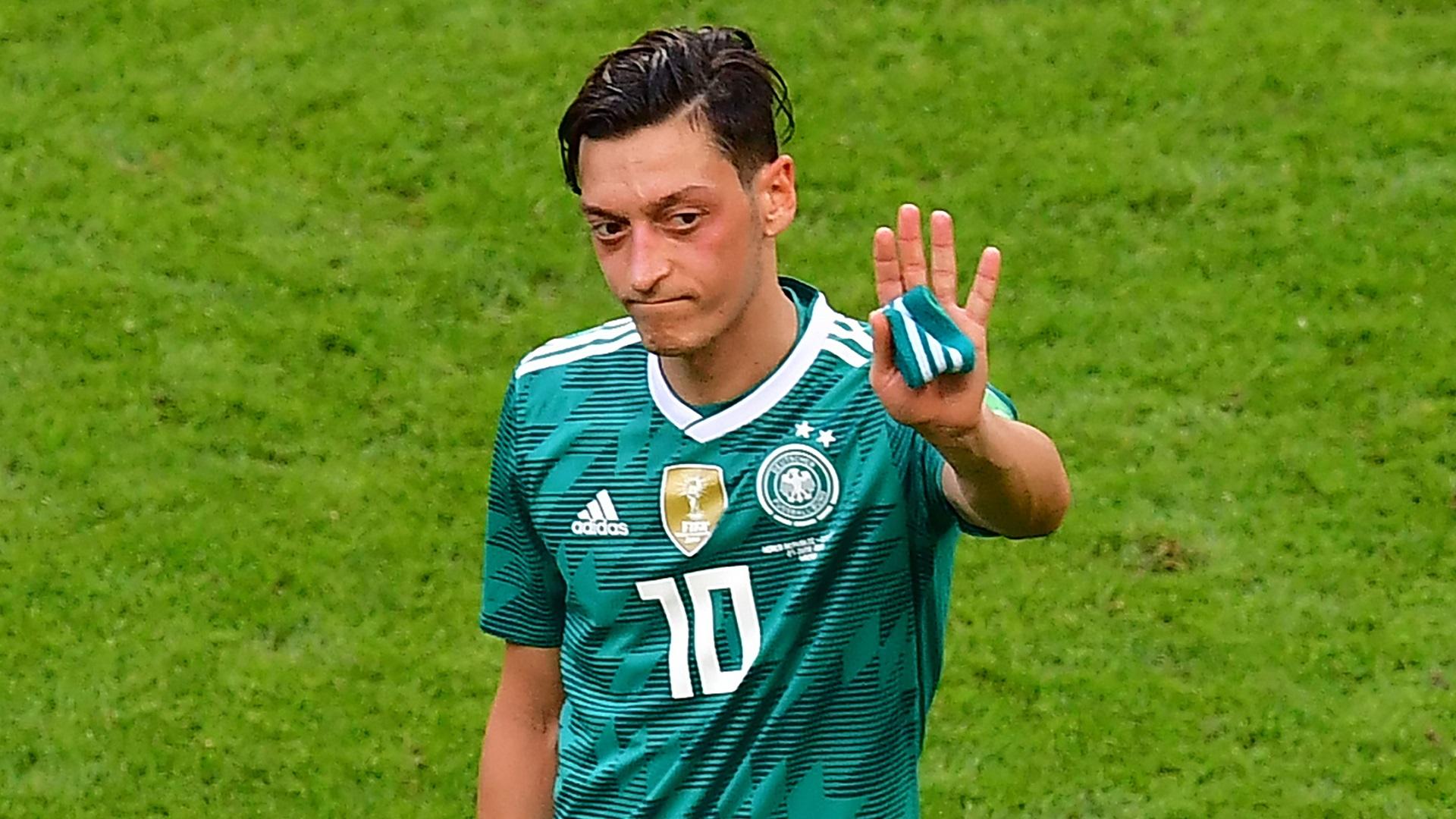 Kevin Prince Boateng Dauda Support Mesut Ozil After Germany