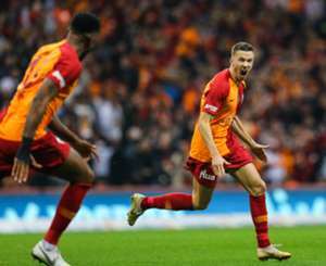 Martin Linnes Goal Celebration Galatasaray Fenerbahce Turkish Super League 11/02/18