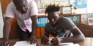 Wesley Onguso signs for Posta Rangers from Gor Mahia.