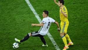 Ozil v Stepanenko Germany v Ukraine