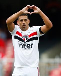 Diego Souza comemora gol marcado pelo São Paulo contra o Flamengo, no Morumbi