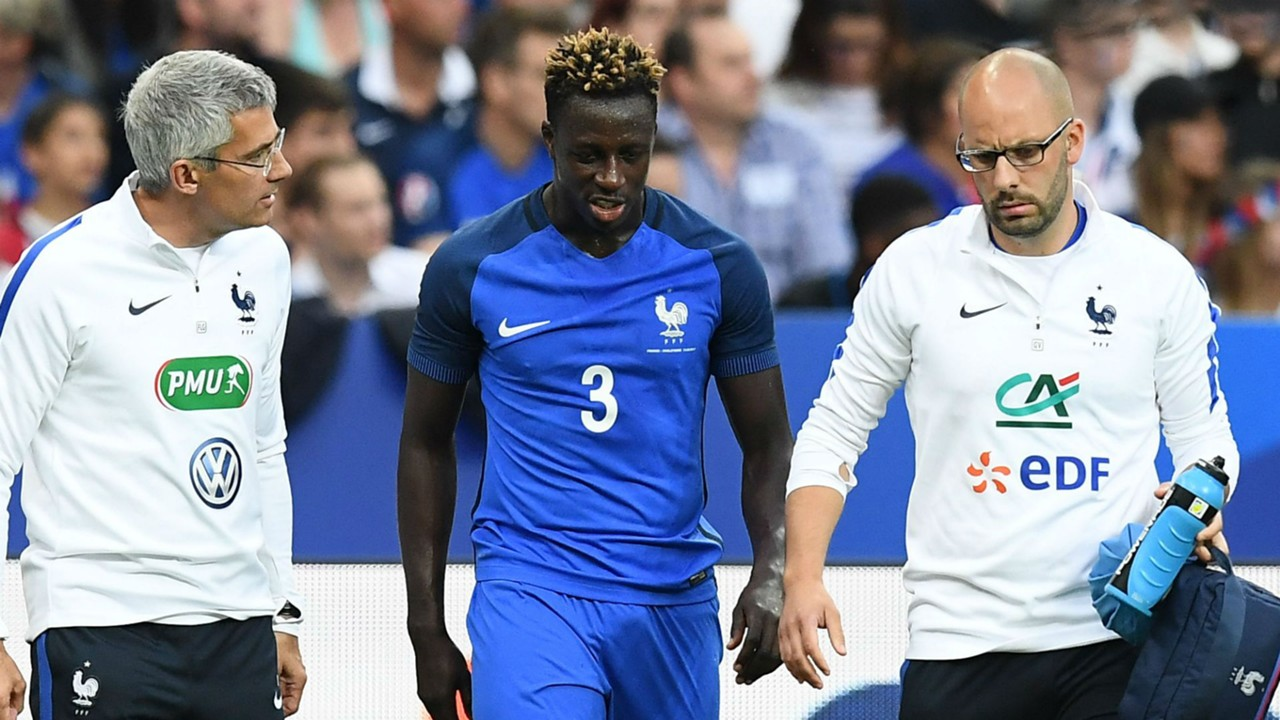 Benjamin Mendy limps off for France in England friendly