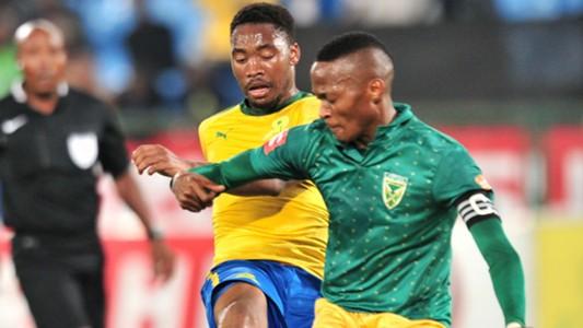 Sibusiso Vilakazi of Mamelodi Sundowns challenged by Matome Mathiane, April 2018