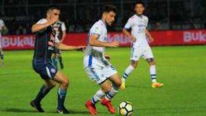 Ahmet Atayew - Arema FC & Jonathan Bauman - Persib Bandung