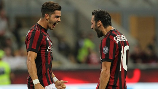Andrè Silva Calhanoglu Milan Europa League