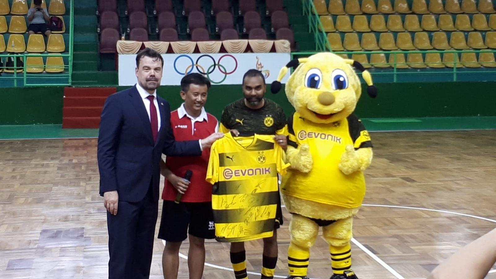 Giải bóng đá giao hữu futsal Starbalm - Dortmund 2019