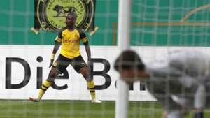 Youssoufa Moukoko Borussia Dortmund U17 2017-18