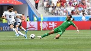 عبد الله عطيف، لاعب وسط المنتخب السعودي، وواحد من العناصر الأساسية التي يعتمد عليها بيتزي مدرب المنتخب السعودي