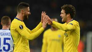 Olivier Giroud Marcos Alonso Chelsea 2018-19