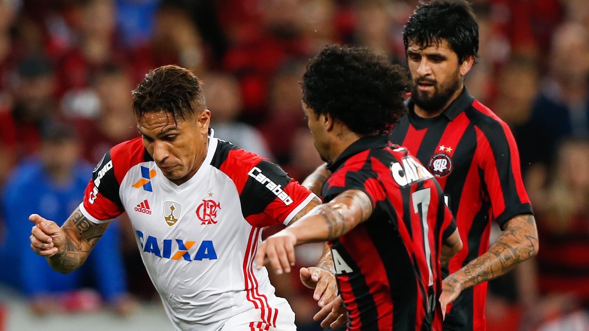 Lucho Gonzalez Guerrero Atletico-PR Flamengo Libertadores 26042017