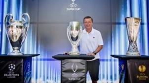 Champions League Europa League  Trophäen 03082013