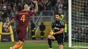 Buffon Nainggolan Roma Juventus Serie A