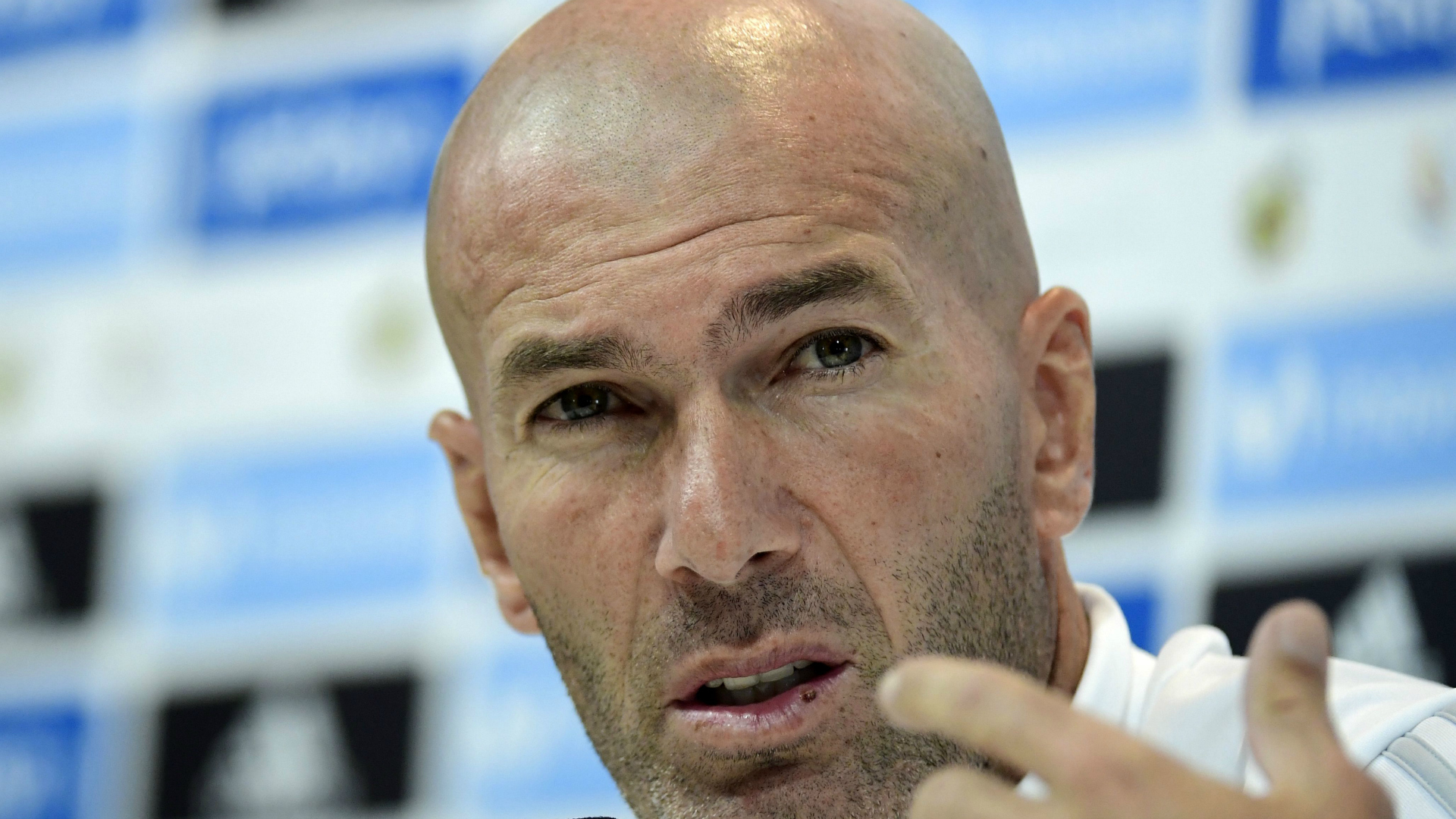Zinedine Zidane Real Madrid Barcelona Super Cup 08152017