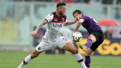Federico Chiesa Mitchell Dijks Bologna Serie A