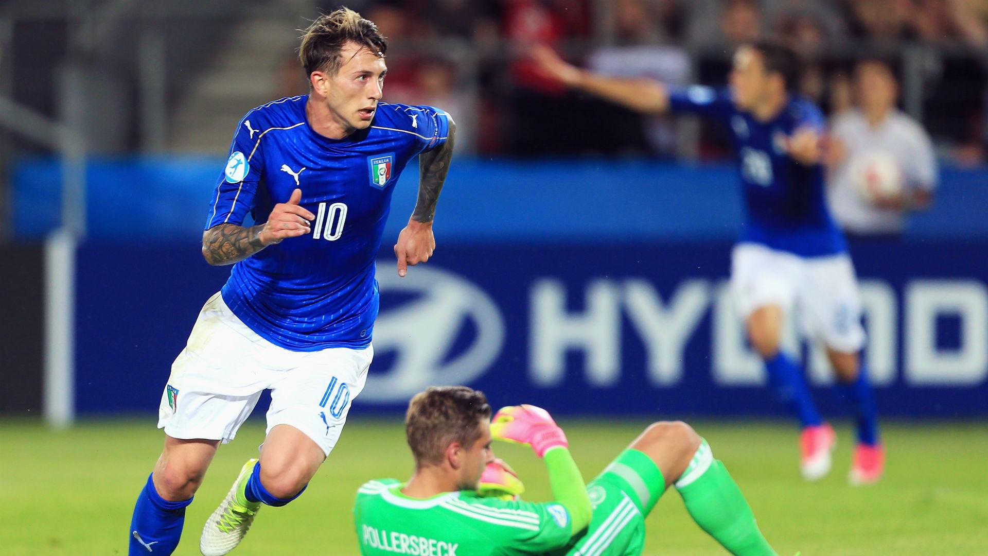 News calciomercato, Juve gelata da Corvino: 'Bernardeschi incedibile per la Fiorentina'