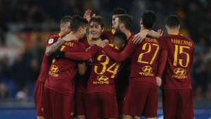 Roma players celebrating Roma Entella Coppa Italia