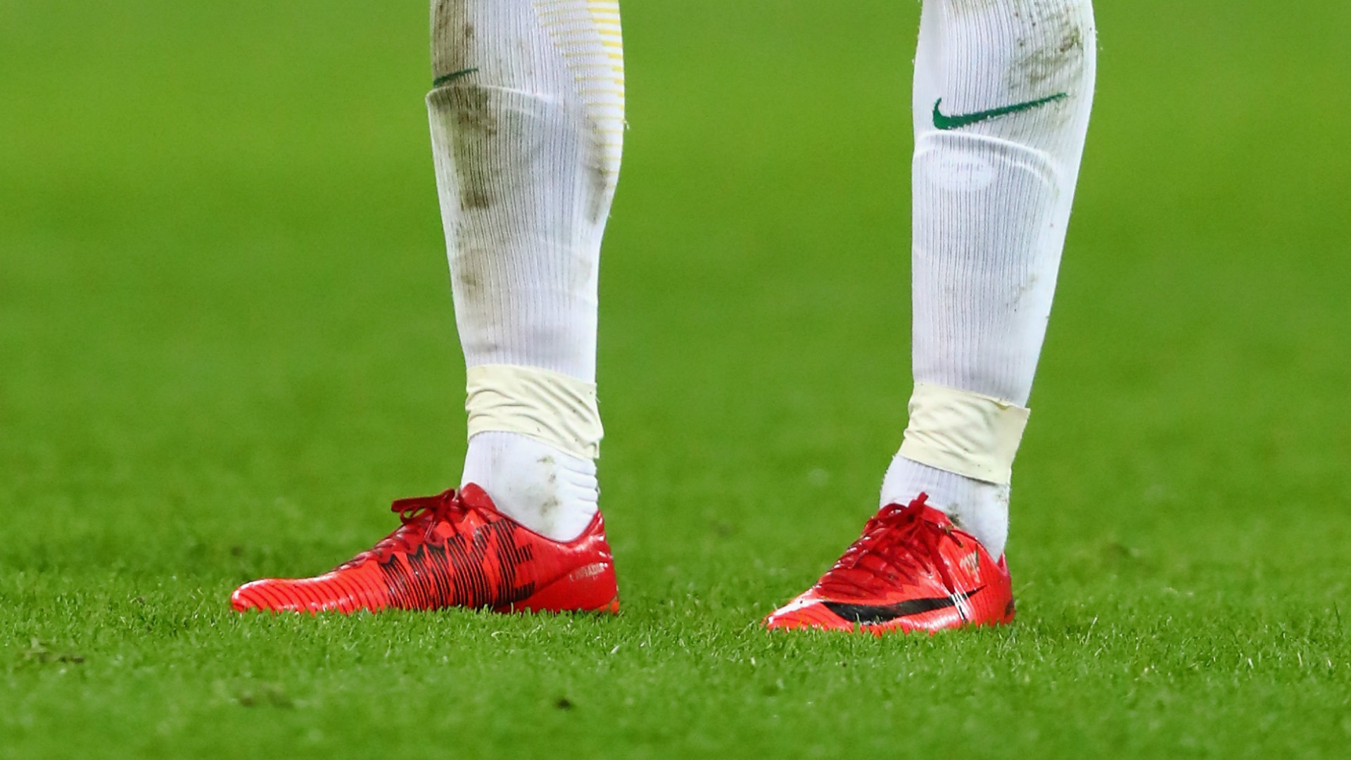 3da512bce65 What football boots do Lionel Messi