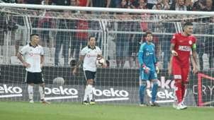 Gary Medel Adriano Utku Yuvakuran Besiktas Antalyaspor 08262018