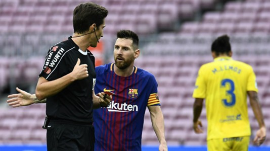 Lionel Messi, Barcelona, referee, 17/18
