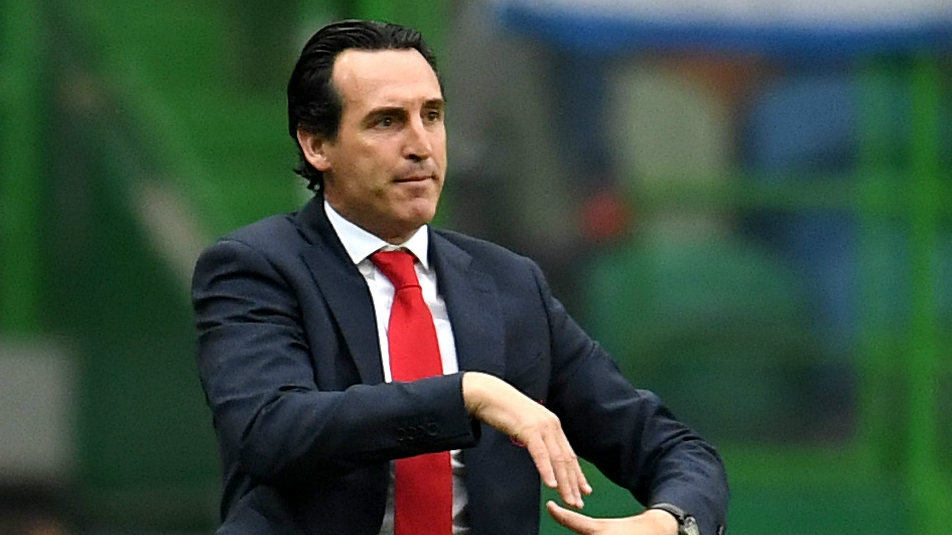 Emery urges Arsenal to 'write a new history' as Liverpool loom