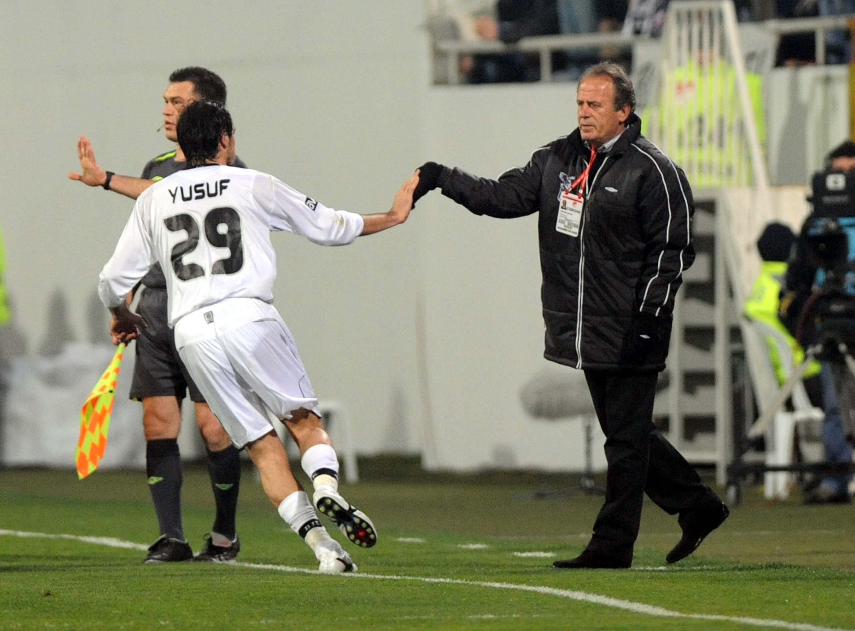 Yusuf Simsek Mustafa Denizli Goal Celebration Besiktas
