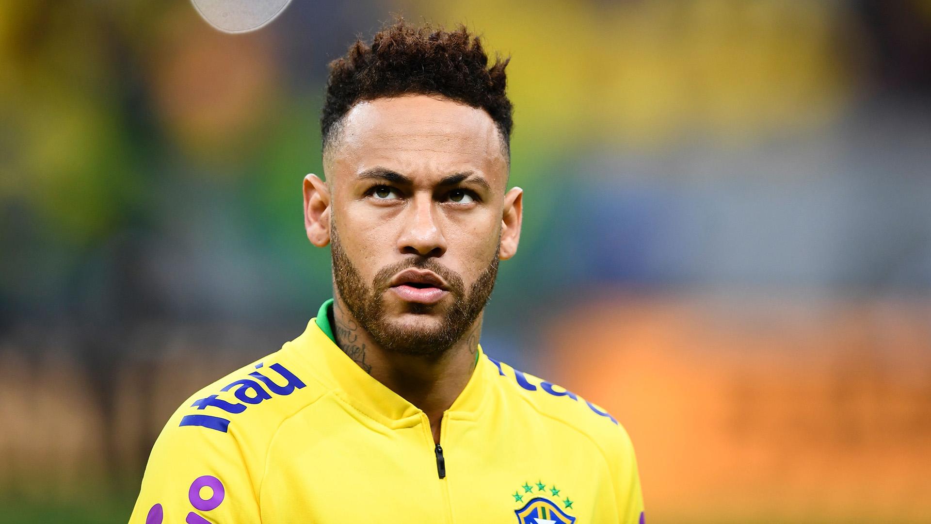 Tearful Neymar taken off with injury in Brazil's pre-Copa America friendly with Qatar