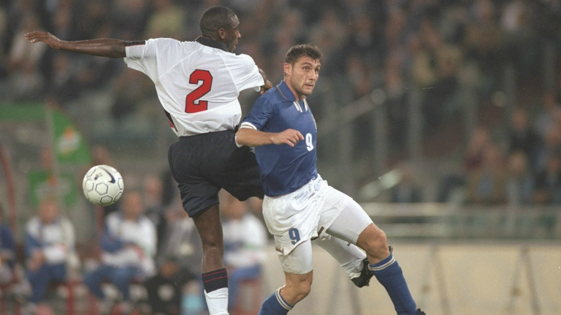 Sol Campbell Christian Vieri Italy England WC Qualifying Europe 10111997