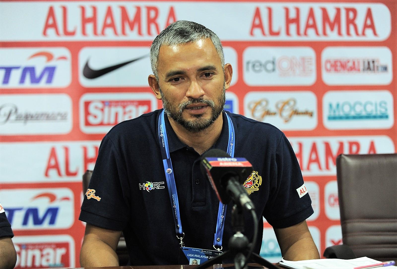 Kelantan assistant head coach Sathit Bensoh 25/2/2017