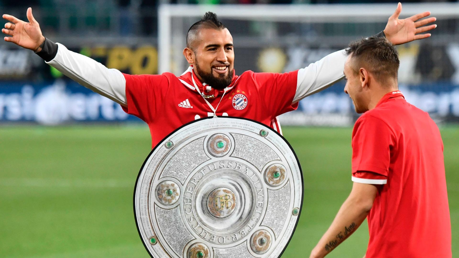 Arturo Vidal Rafinha Bayern champion 290417