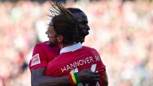 Salif Sane Martin Harnik Hannover 96 Eintracht Frankfurt Bundesliga 14102017