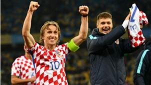 Luka Modric Duje Caleta-Car Ukraine Croatia 09102017