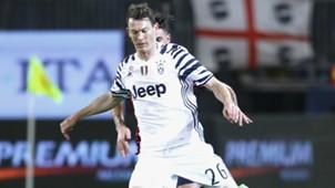 Stephan Lichtsteiner Cagliari Juventus Serie A 12022017