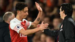 Mesut Ozil Unai Emery Arsenal Leicester