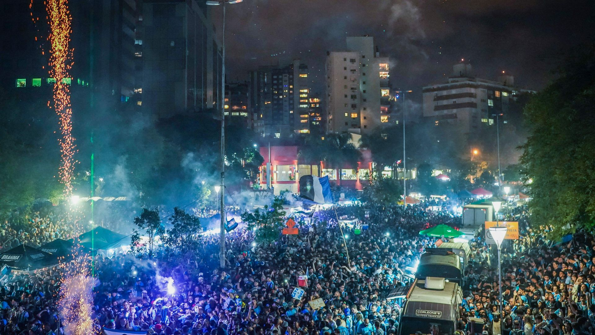Gremio torcida Porto Alegre Final Copa Libertadores 29112017