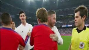 Captura Griezmann Sergio Ramos saludo