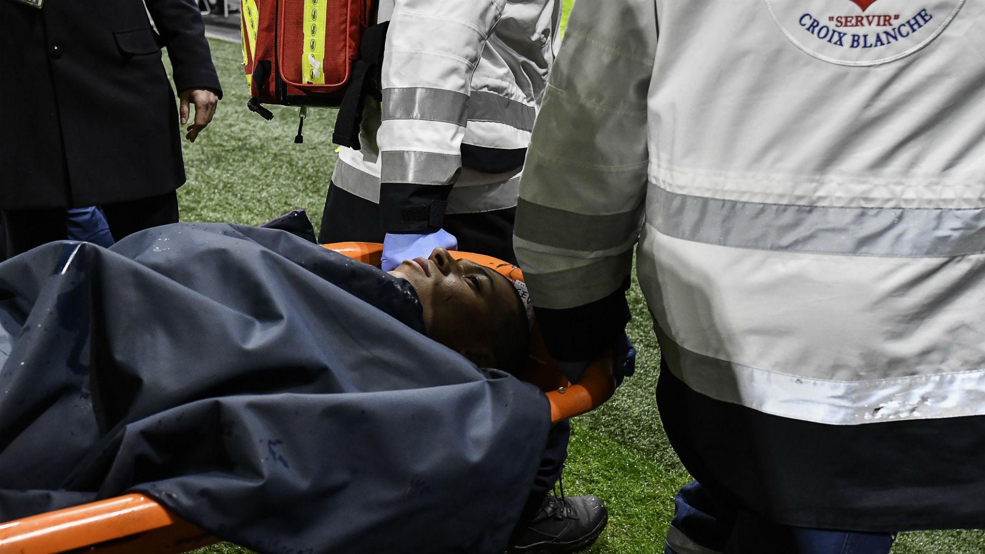 Sorti sur civière lors de l'OL-PSG, Mbappé n'a