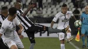 Guilherme Arana Bruno Silva Botafogo Corinthians Brasileirao Serie A 23102017