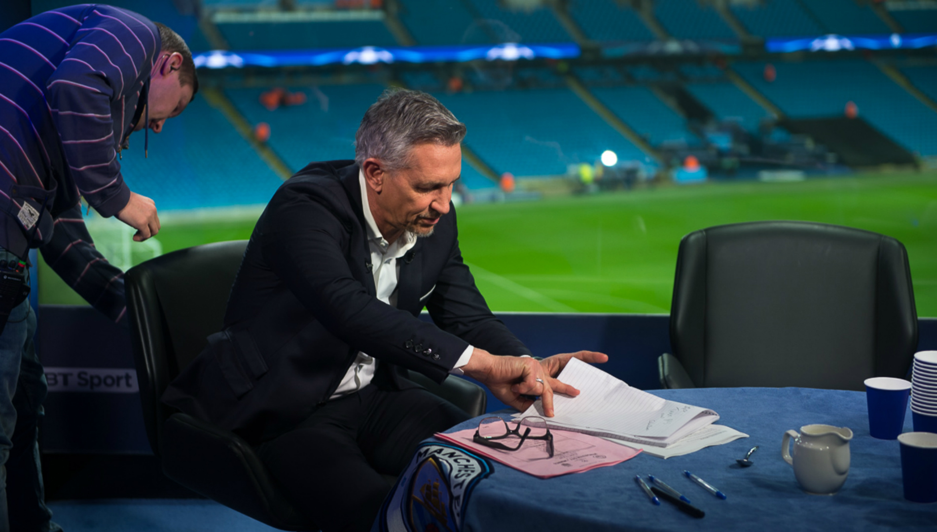 Gary-lineker-goes-over-his-lines_e23wr3r37v9w11baf105q3q3p