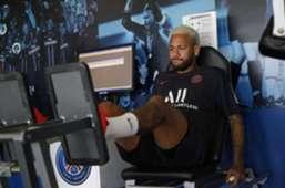 Neymar faz treino físico no PSG