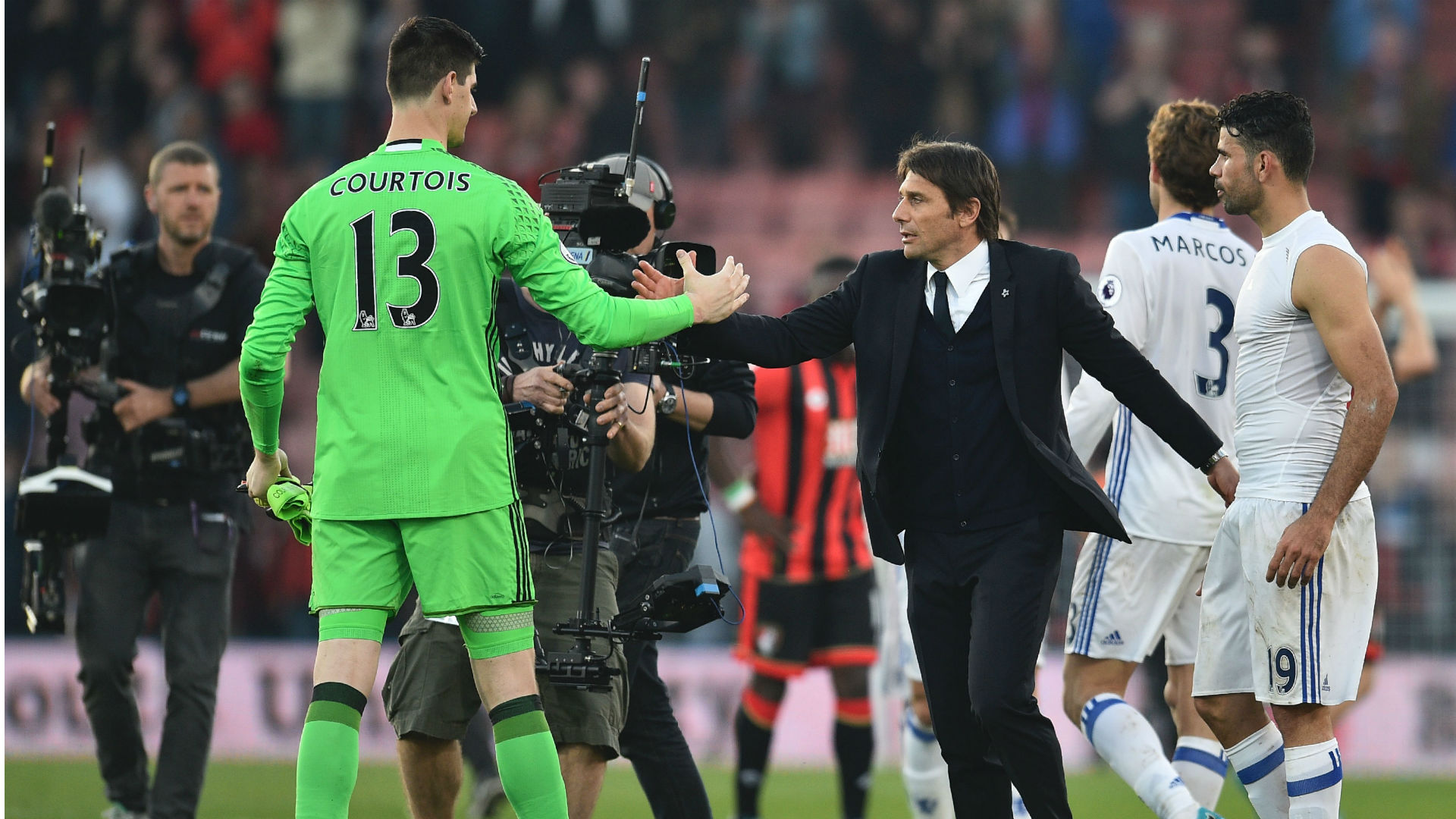 Antonio Conte urges Chelsea to tie down Thibaut Courtois