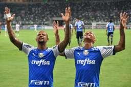 Felipe Melo e Deyverson comemoram gol do Palmeiras