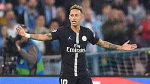 Neymar PSG Napoli UEFA Champions League 06112018