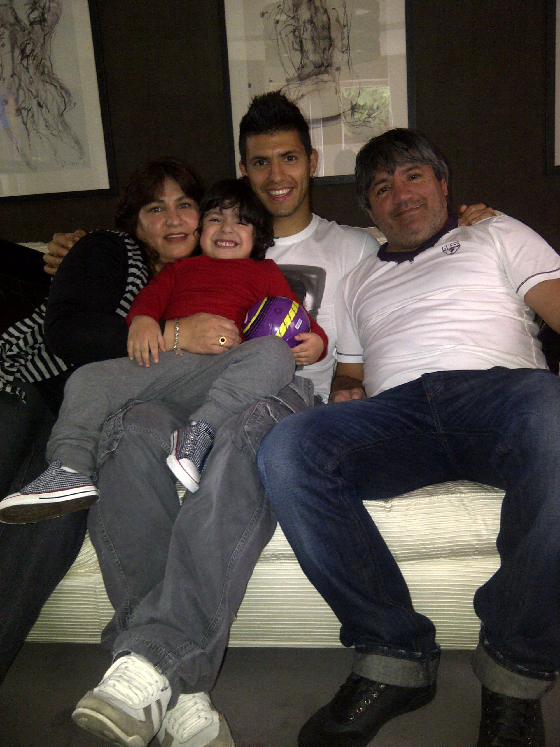 Sergio Aguero family