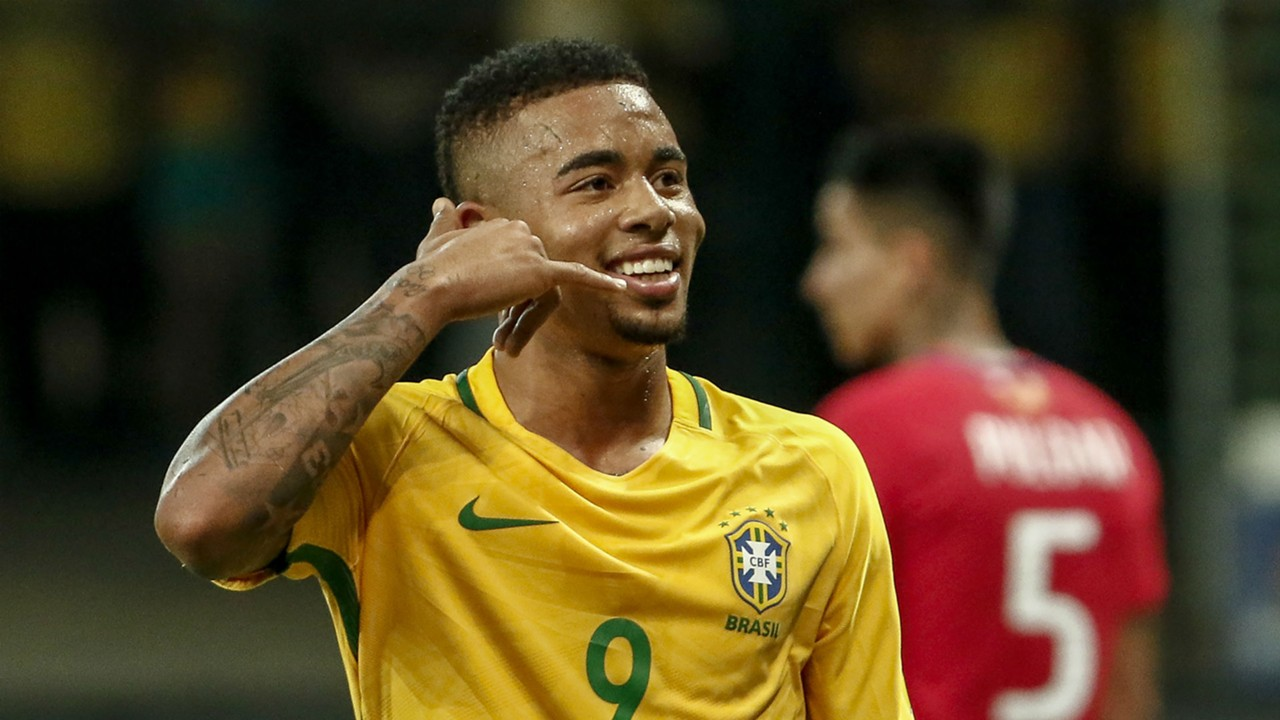 World Cup  Have And Score Goals Gabriel Jesus Offered Advice By Brazil Legend Romario Goal Com