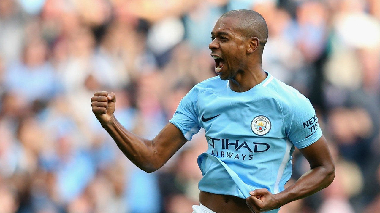 Manchester City news Fernandinho hints at new contract after