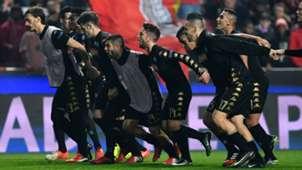 Napoli celebrating vs Benfica
