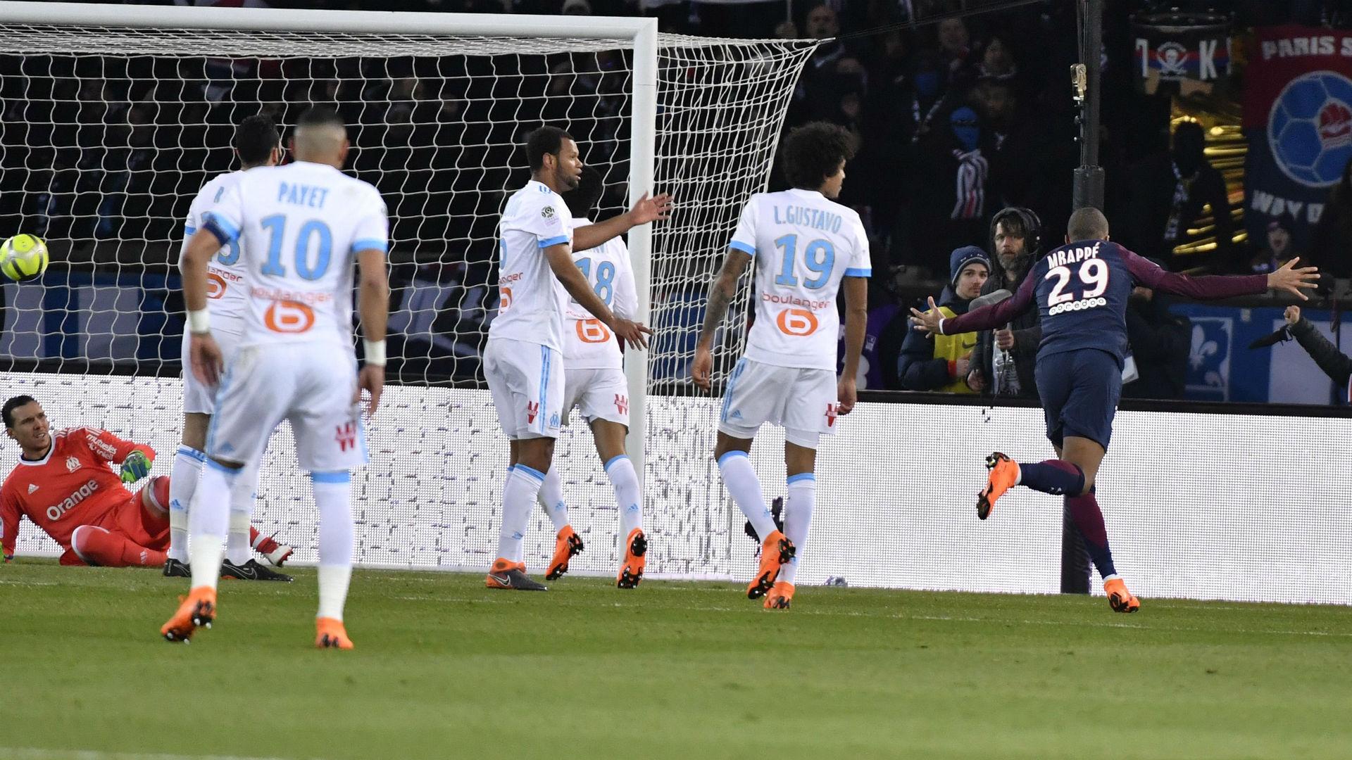 OM: Neymar sort sur civière lors de PSG
