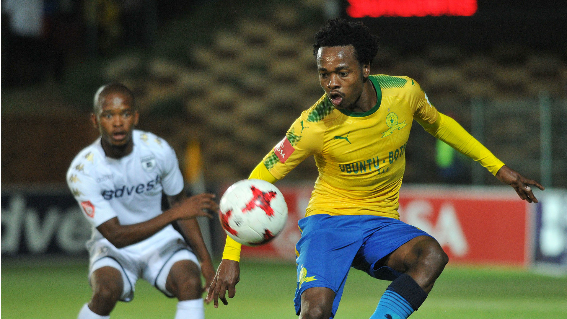 Percy Tau of Sundowns and Ntshangase of Bidvest Wits