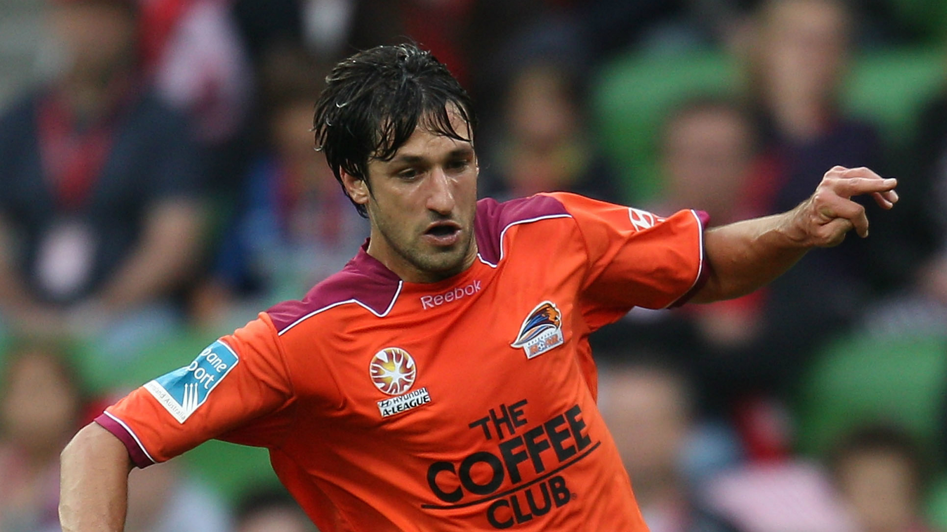 Thomas Broich Melbourne Heart v Brisbane Roar A-League 14112010